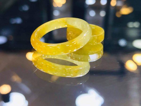 Nhẫn Cẩm Thạch Vàng Mật Cao Cấp Hoàng Sắc Phi Hỉ Ngọc