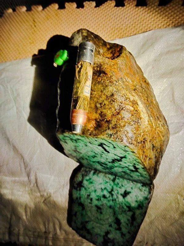 Ngọc Cẩm Thạch Thô Myanmar Chính Hãng Gmt Jade