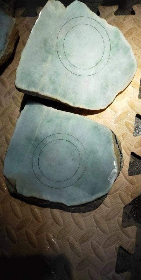 Ngọc Cẩm Thạch Thô Myanmar Màu Lạ Hiếm