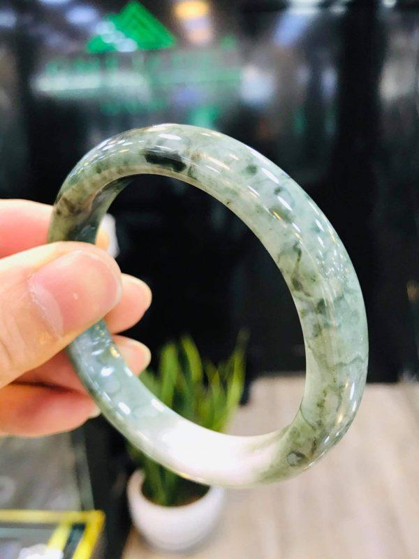 Vòng Cẩm Thạch Mynamar Xanh Cao Cấp Tại Gtm Jade