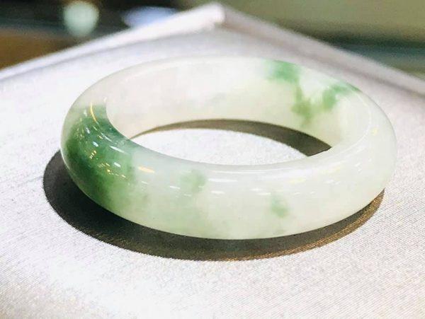 Nhẫn Cẩm Thạch Xanh Lý Uy Tín Giá Rẻ Tại Gmt Jade