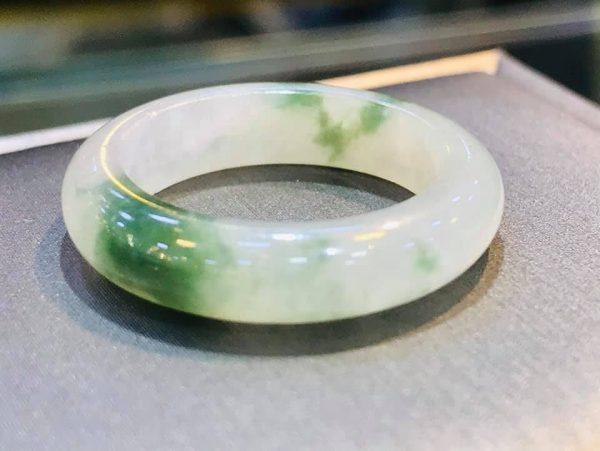 Nhẫn Ngọc Cẩm Thạch Myanmar Phớt Xanh Tại Gmt Jade