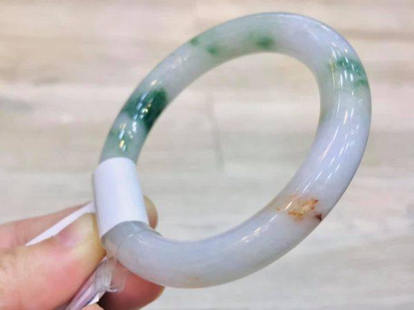 Vòng Ngọc Bản Liền Tam Sắc Tại Gmt Jade