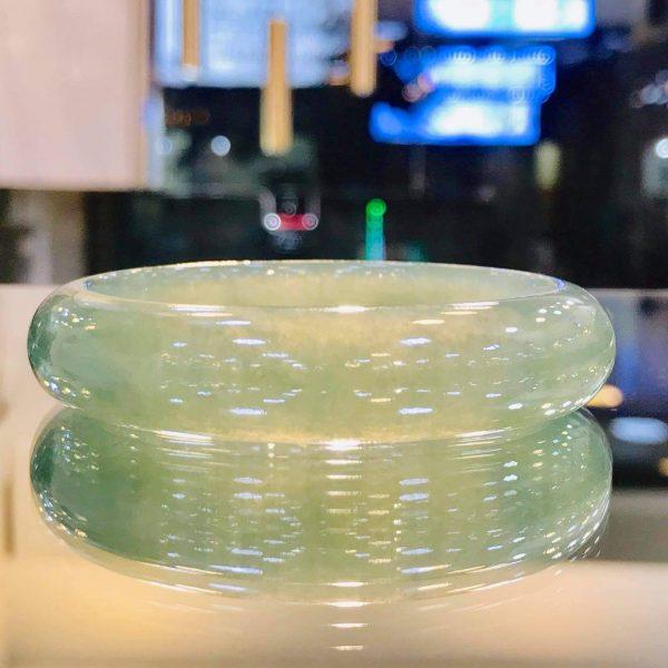Vòng Ngọc Cẩm Thạch Mynamar Màu Lạ Mắt Tại Gmt Jade