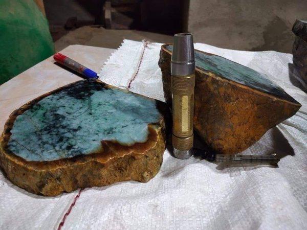 Ngọc Cẩm Thạch Thô Myanmar Chuẩn Thiên Nhiên